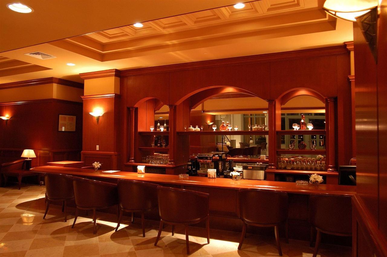 Amika Lounge.jpg