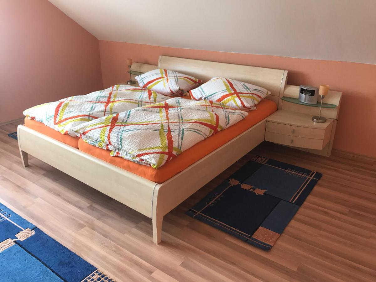 Bedroom (3rd floor)