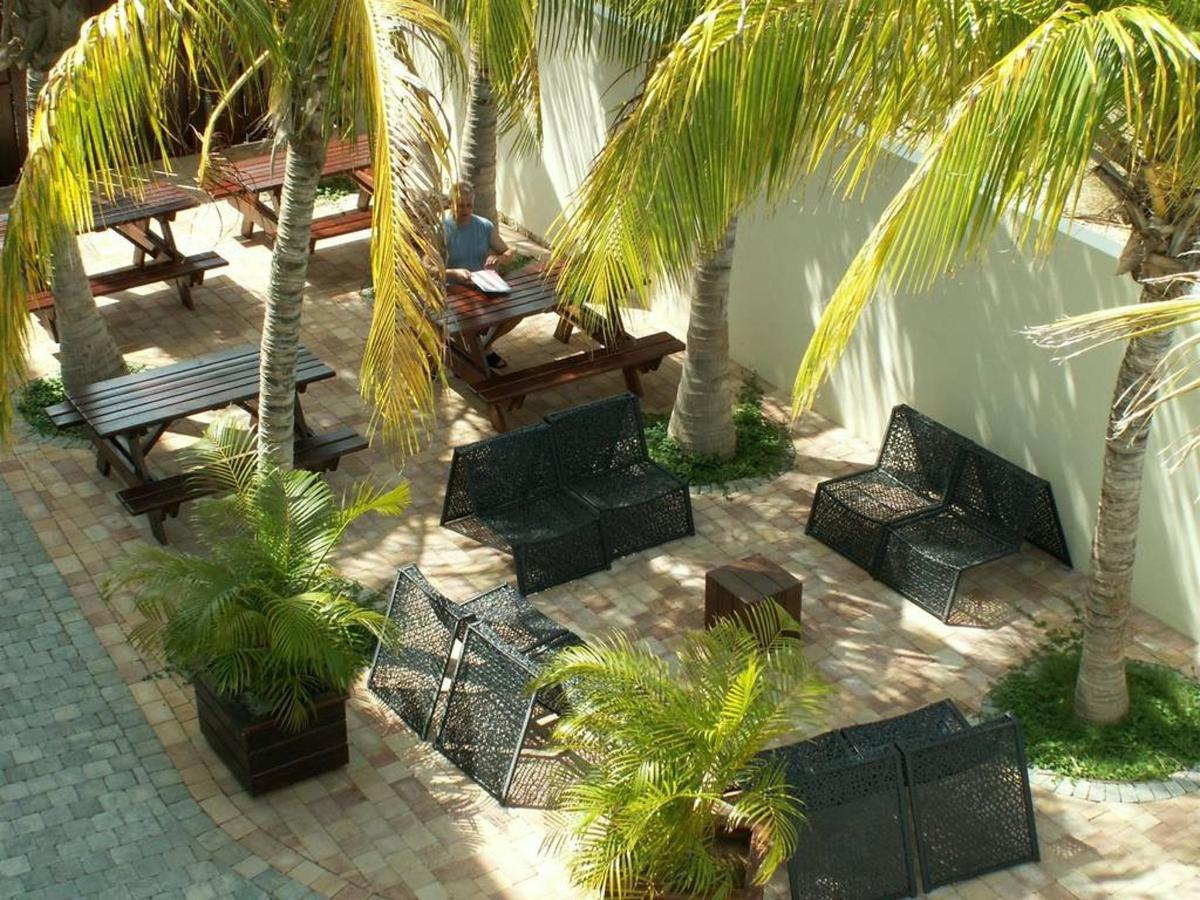 DS - BBQ area, Dolphin Suites, Willemstad, Curaçao.jpg