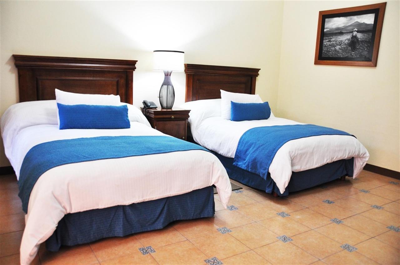Habitaciones Standart Matrimonial, Gran Casa Sayula Hotel Galeria & SPA, Sayula, Mexico.jpg