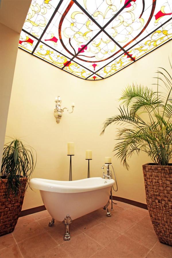 Tina Master Suites, Gran Casa Sayula Hotel Galeria & SPA, Sayula, Mexico.jpg