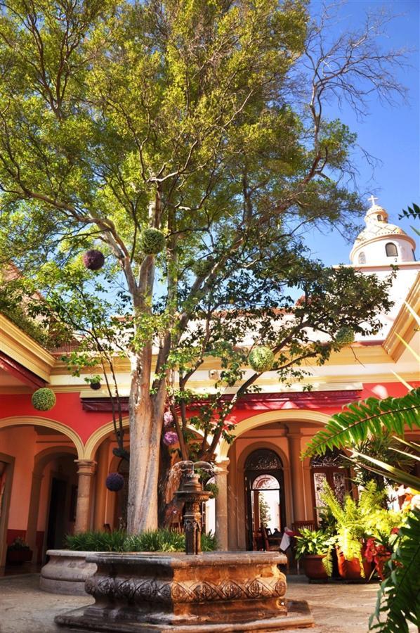 Patio Fuente, Gran Casa Sayula Hotel Galeria & SPA, Sayula, Mexico.jpg