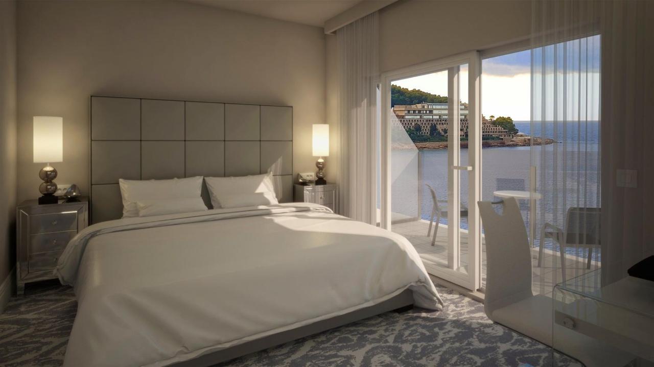 Luxury Double Room With Sea View.jpg