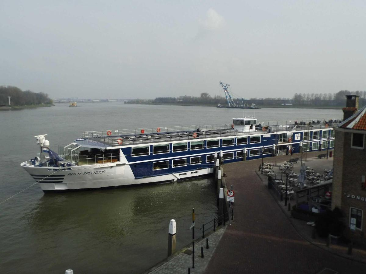 View on river with rivercruiser.JPG