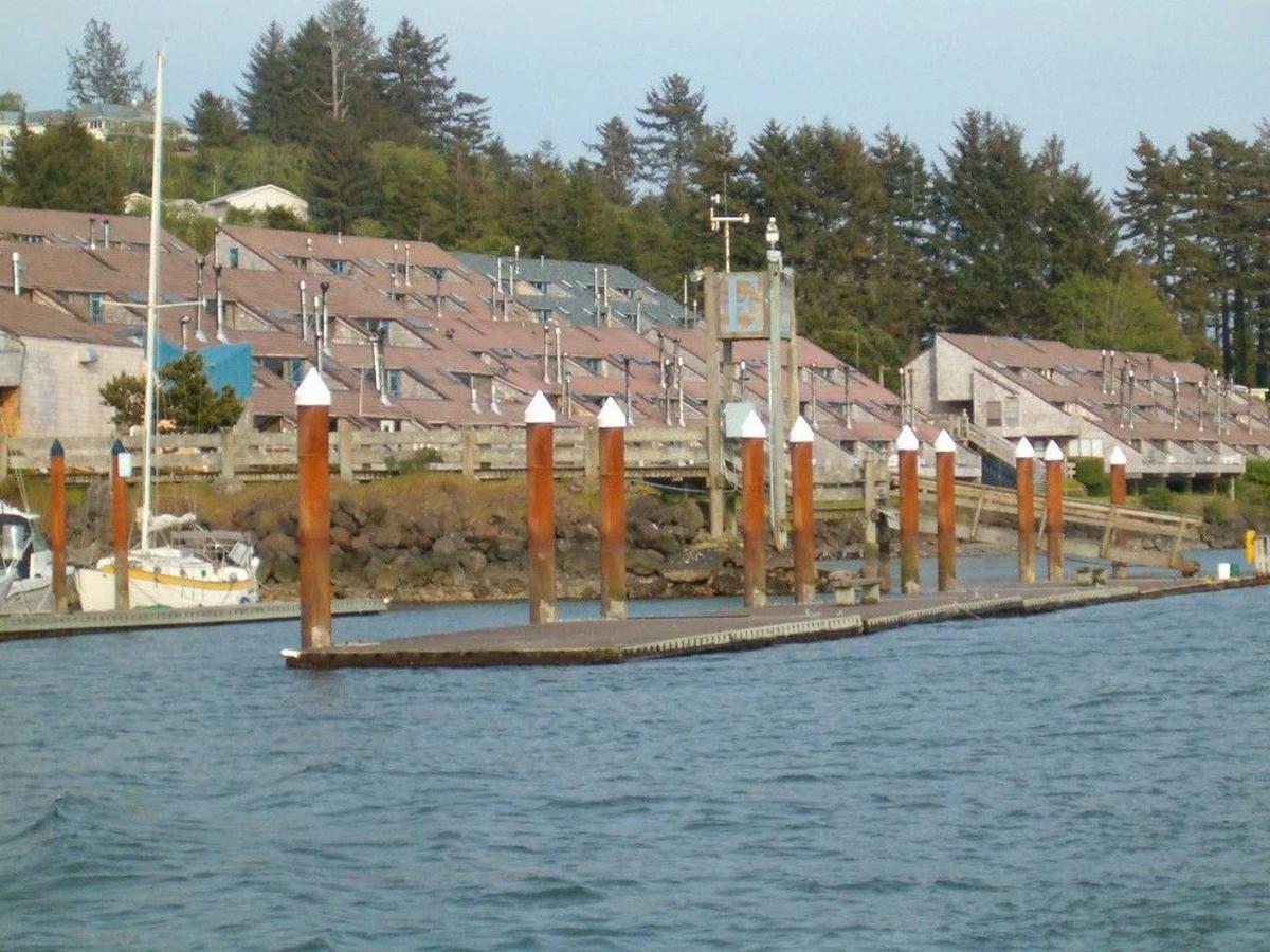 crab-dock.jpg.1920x0.jpg
