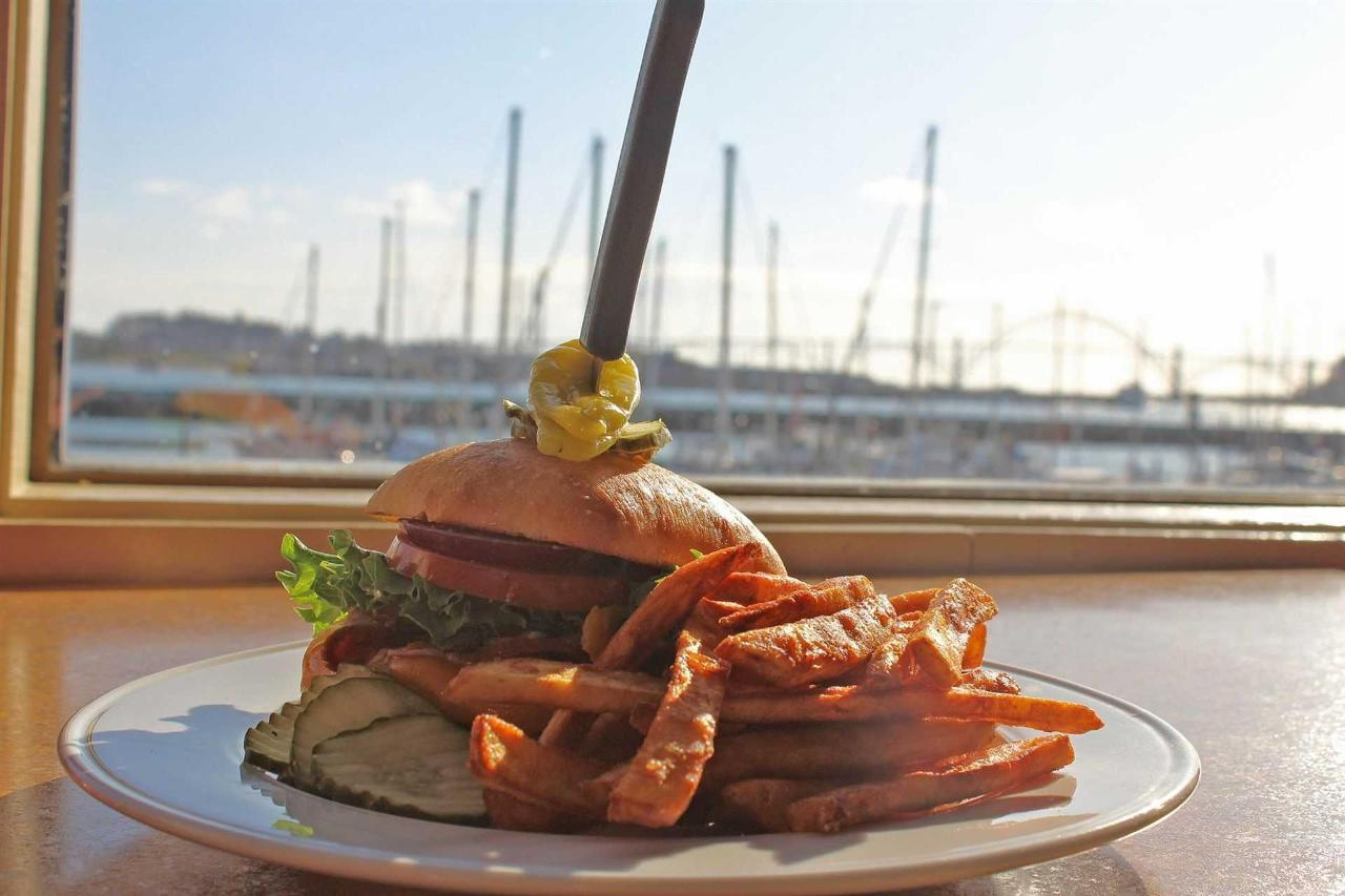 waterfront-grille-signature-burger.jpg.1920x0.jpg
