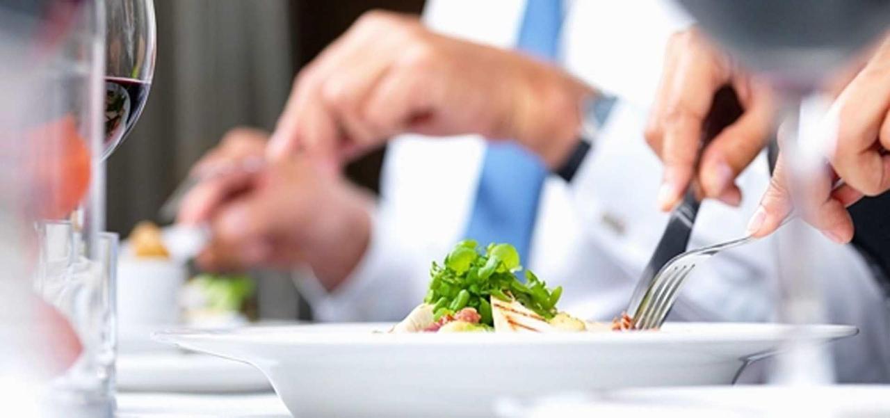 small-meetings-luncheons-dinners-copy.jpg.1920x0.jpg