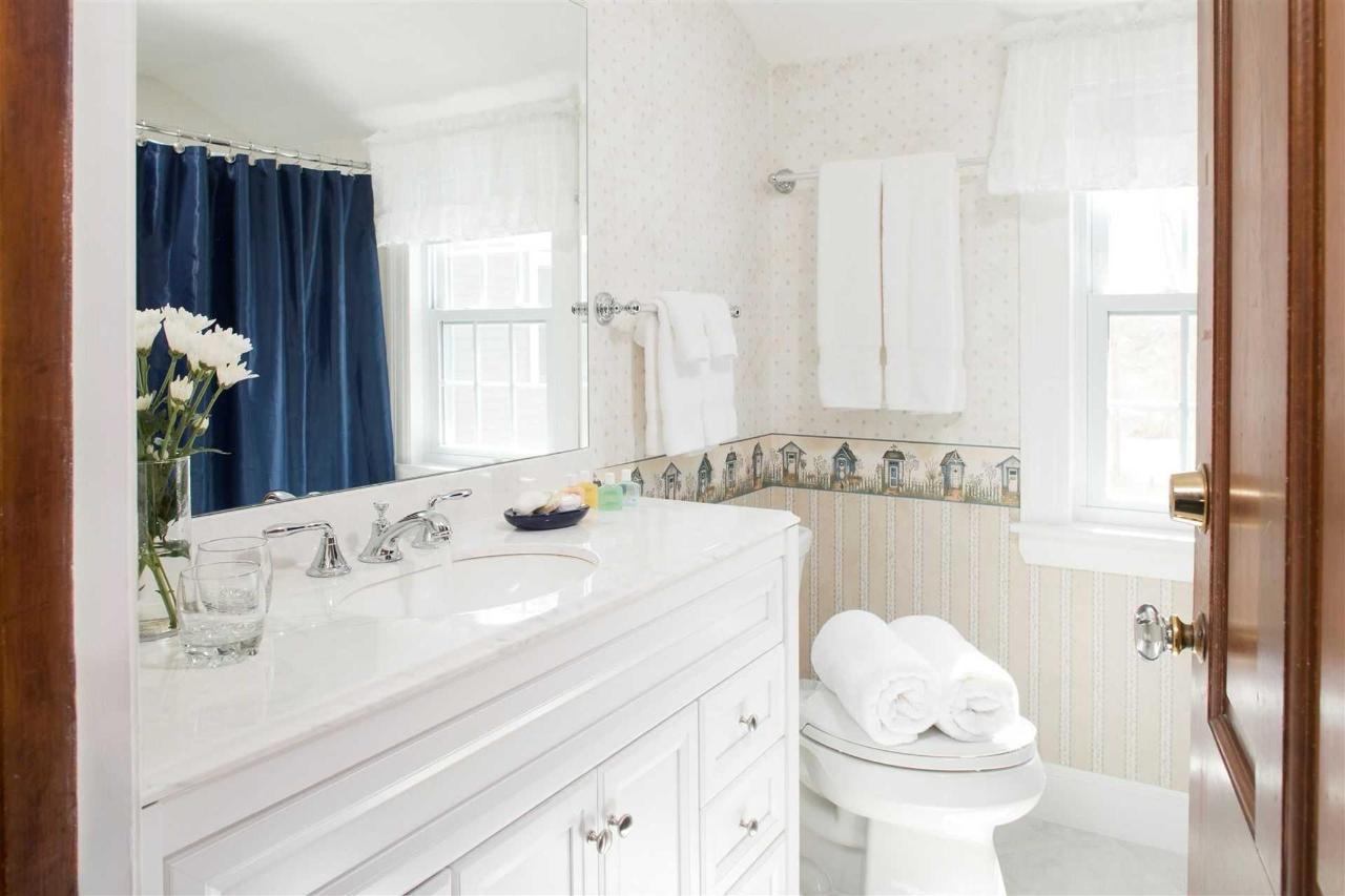 guestrooms-monomoy-2.jpg.1920x0.jpg