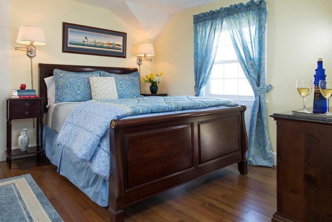 guestrooms-monomoy.jpg.1920x0.jpg