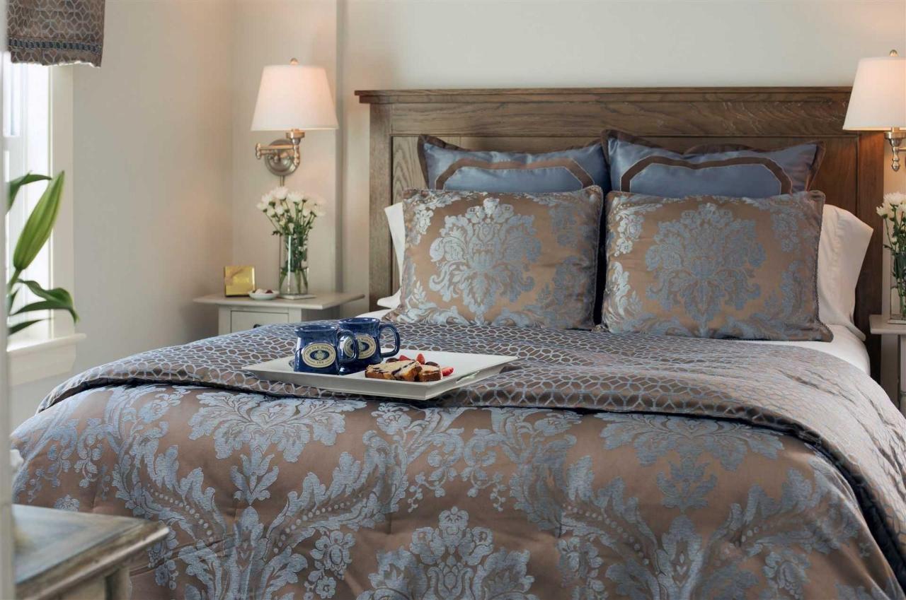 guestrooms-sutcliffes-4.jpg.1920x0.jpg
