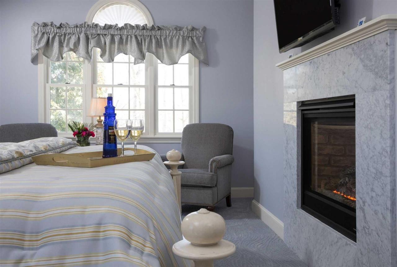 guestrooms-north-beach-3.jpg.1920x0.jpg