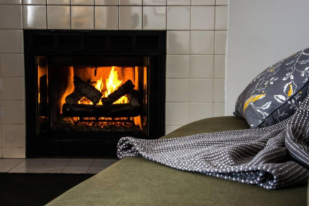 2-fireplace.jpg.1024x0.jpg