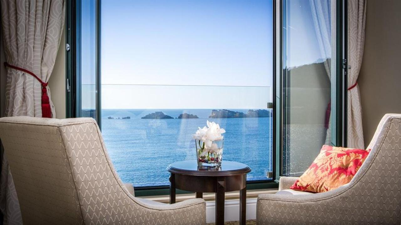 Deluxe King Sea View Room with Balcony.jpg