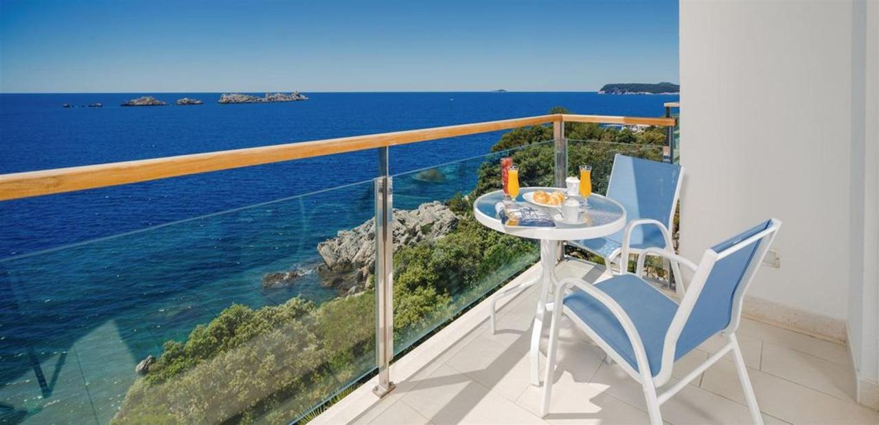 Deluxe Sea View Suite with Balcony.jpg
