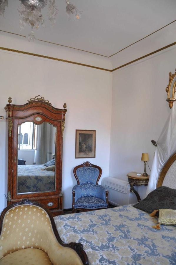 Room's details.jpg