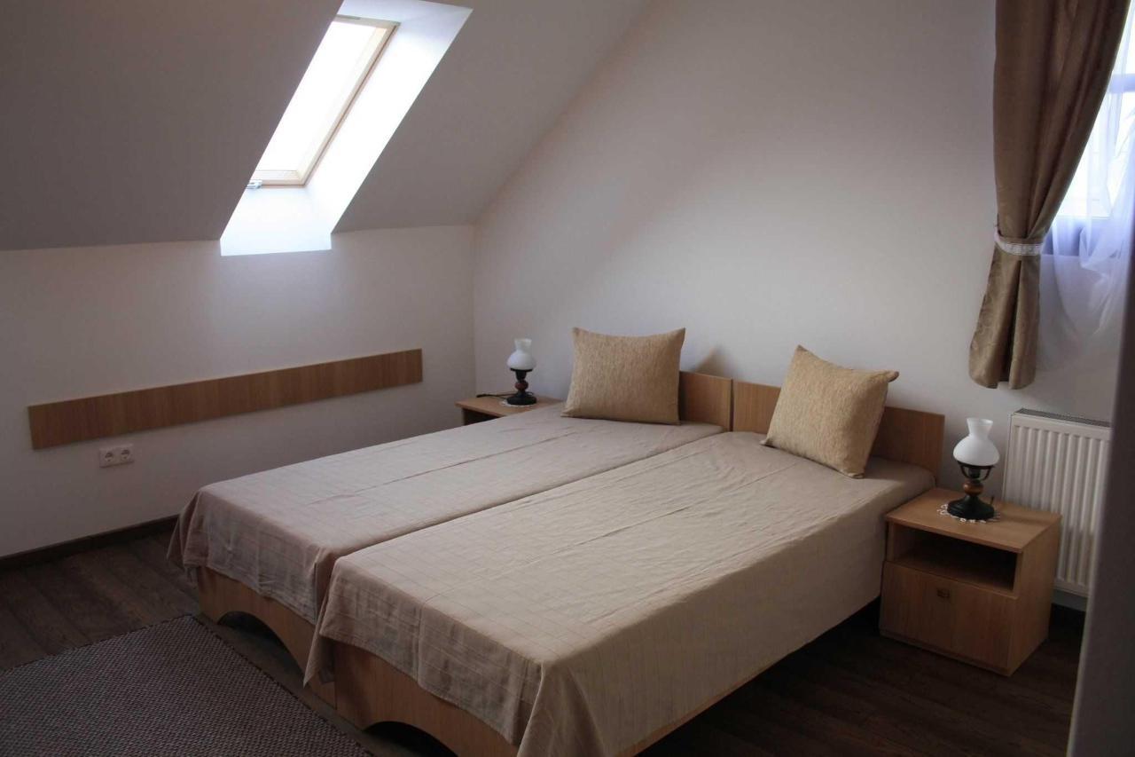 szobák