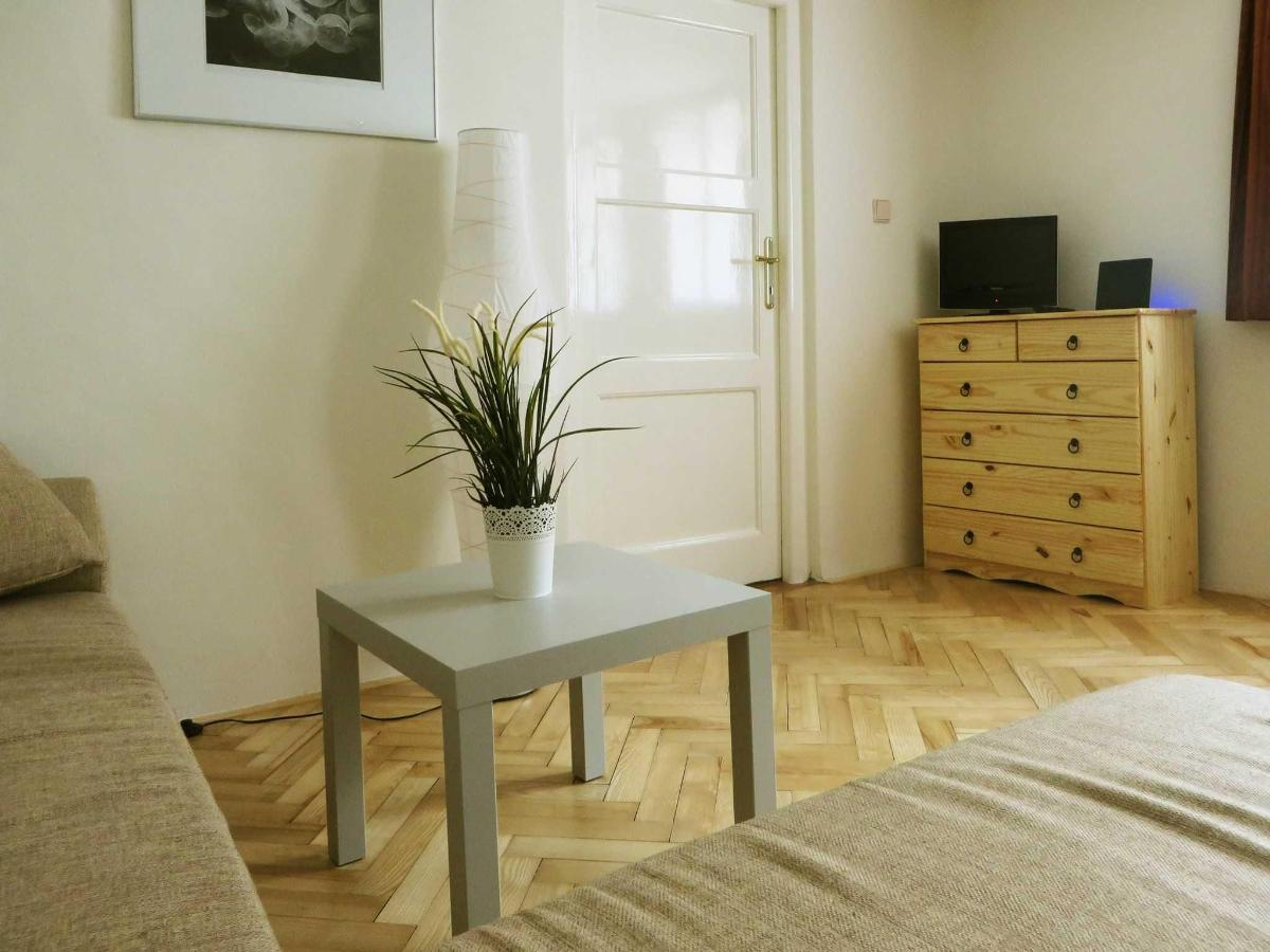 2 Bedroom Attic Apartment -relaxation zone with TV