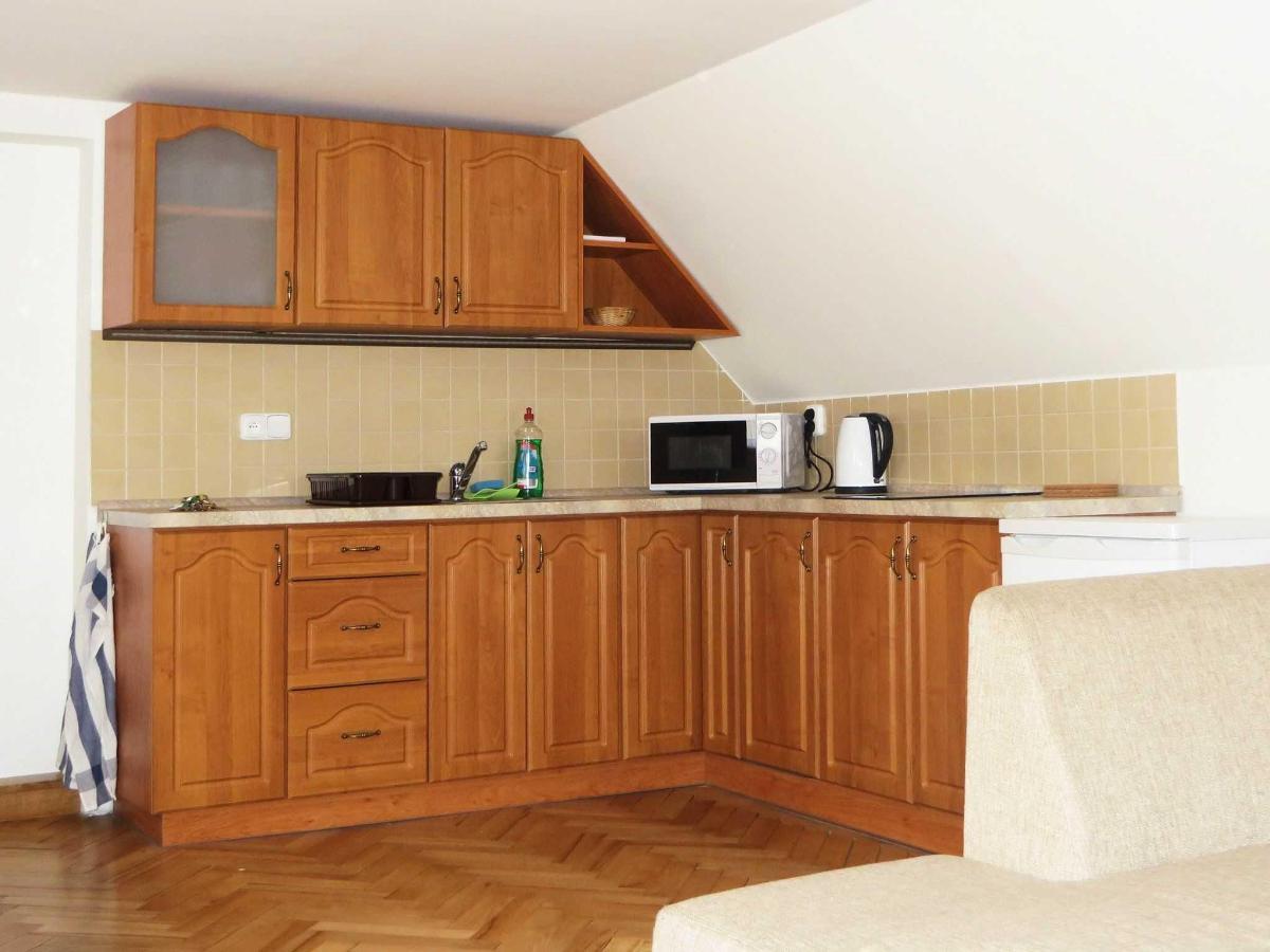 2 Bedroom Attic Apartment -kitchen