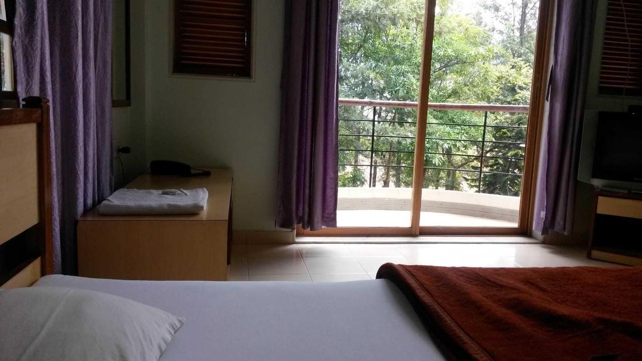 deluxe Room no. 2.jpg
