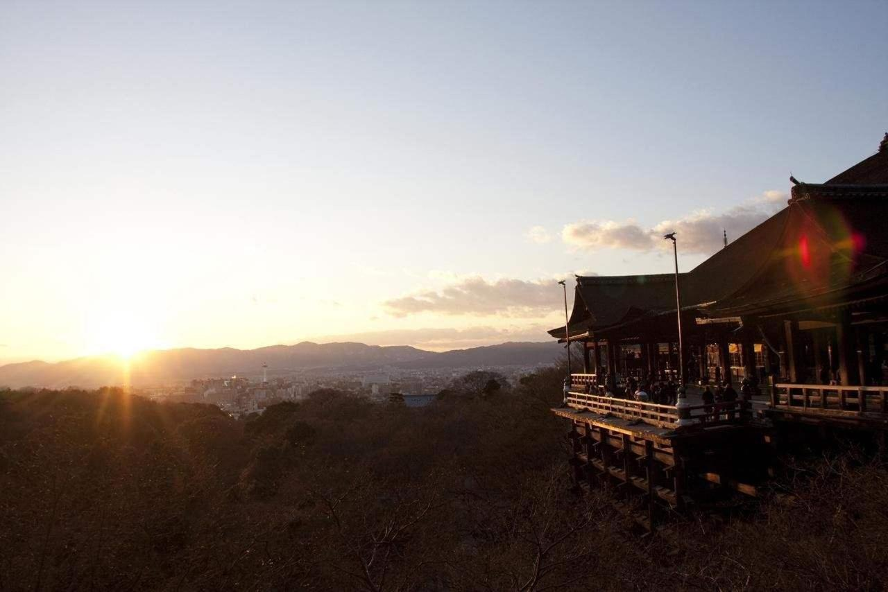 Kiyomizu-dera Temple.jpg