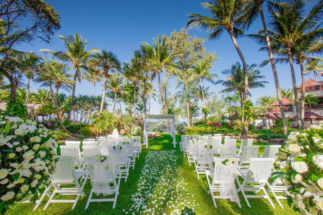 งานแต่งงานในสวน.jpg