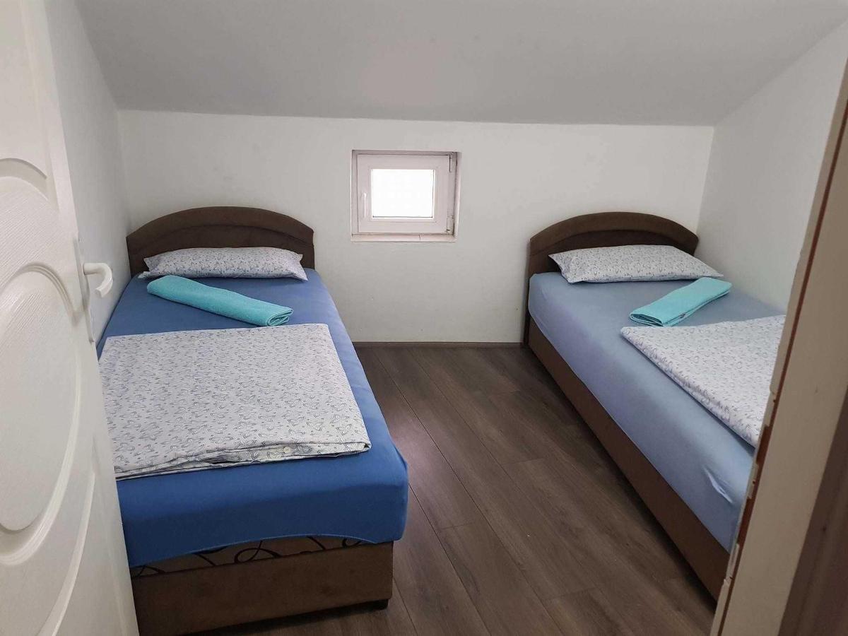 Apartman br.8