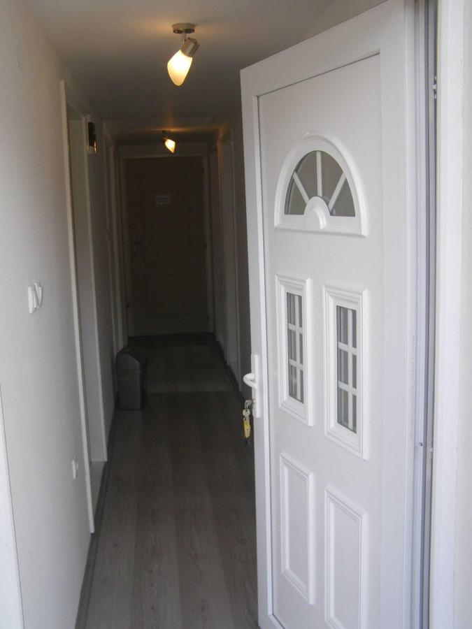 6-entrance-to-the-floor-1.JPG