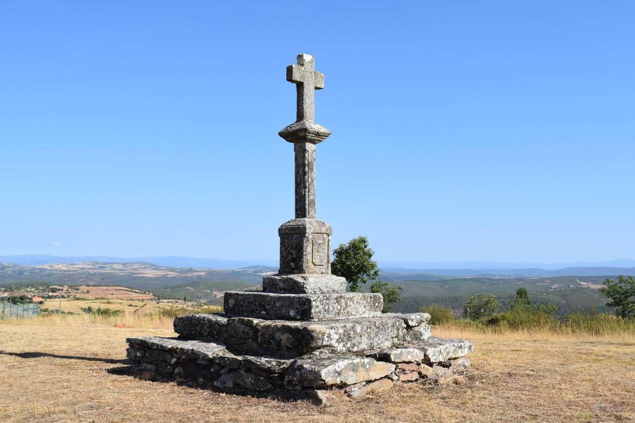 Cruz de la Pasión, Nuez