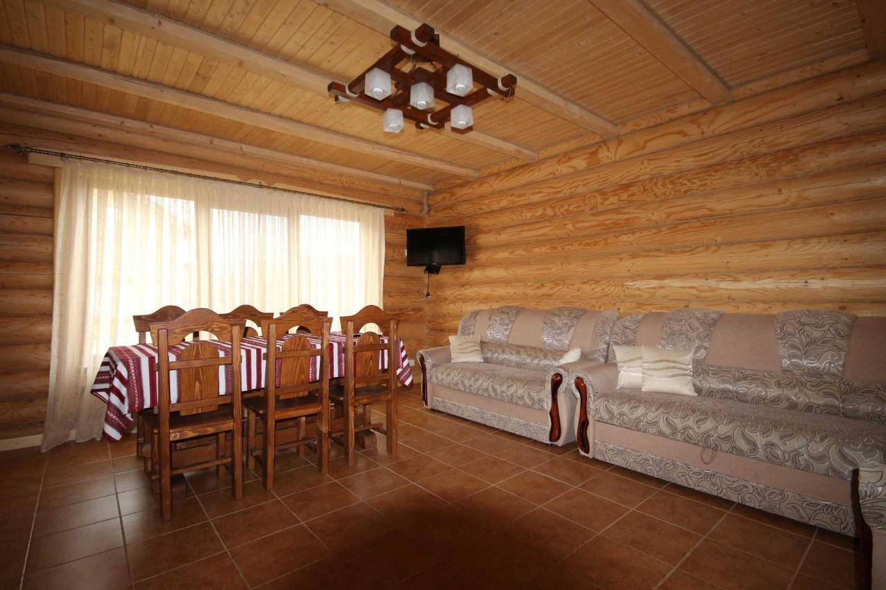 Villa left Вітальня.JPG