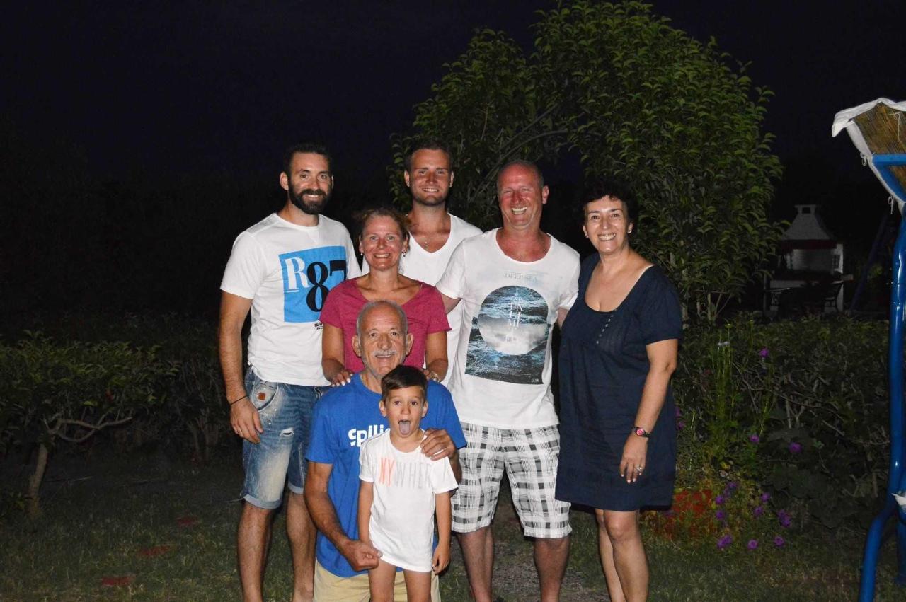 Οι οικογένειές μας