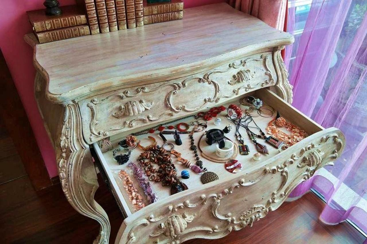 An impressive selection of jewelry for you to wear around the villa
