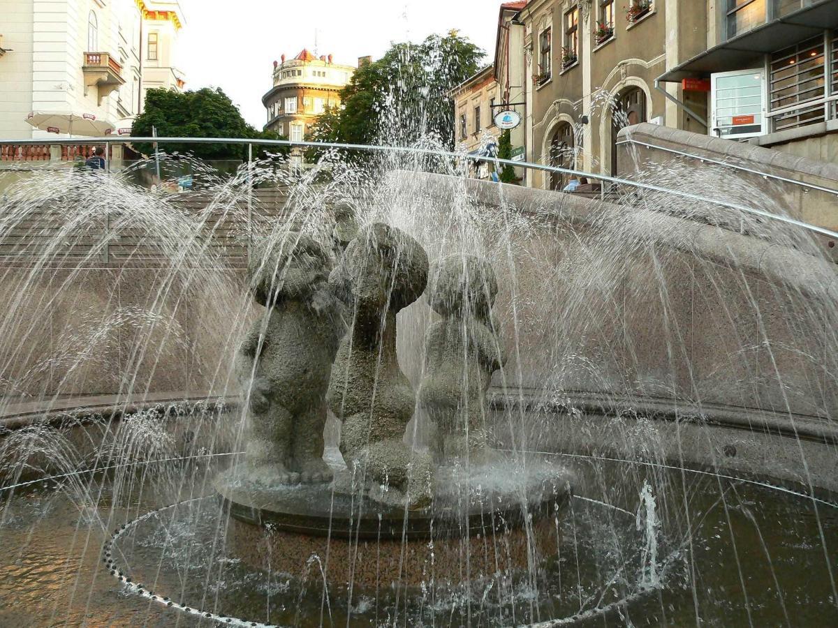 Bielsko-Biała-plac_Chrobrego.JPG