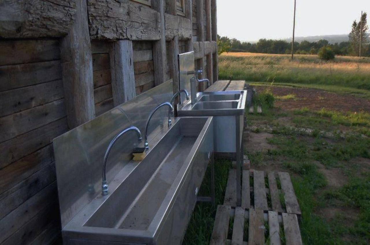 Toiletten und Sanitär