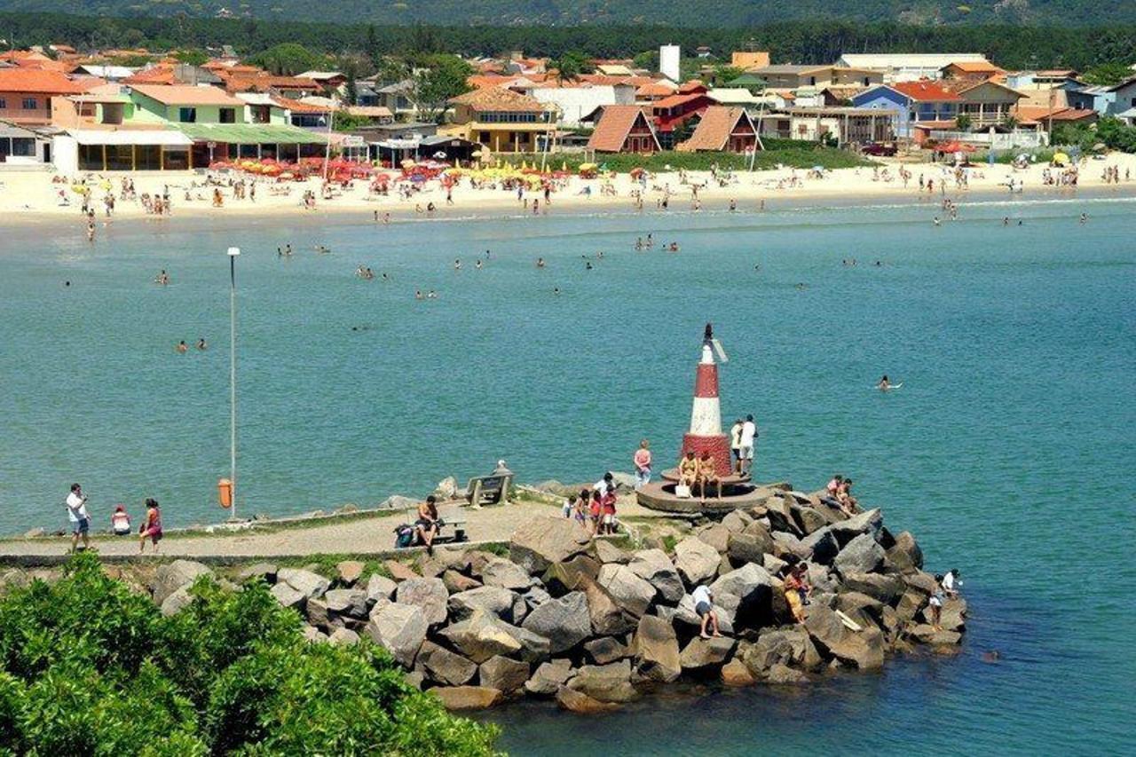 farol-e-praia-barra-da-lagoa-florianopolis-pousada-mar-do-leste.jpeg