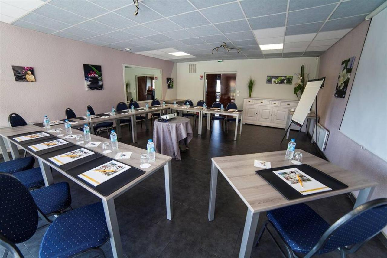 room-its-seminar-1-comfort-hotel-garden.jpg.1024x0.jpg