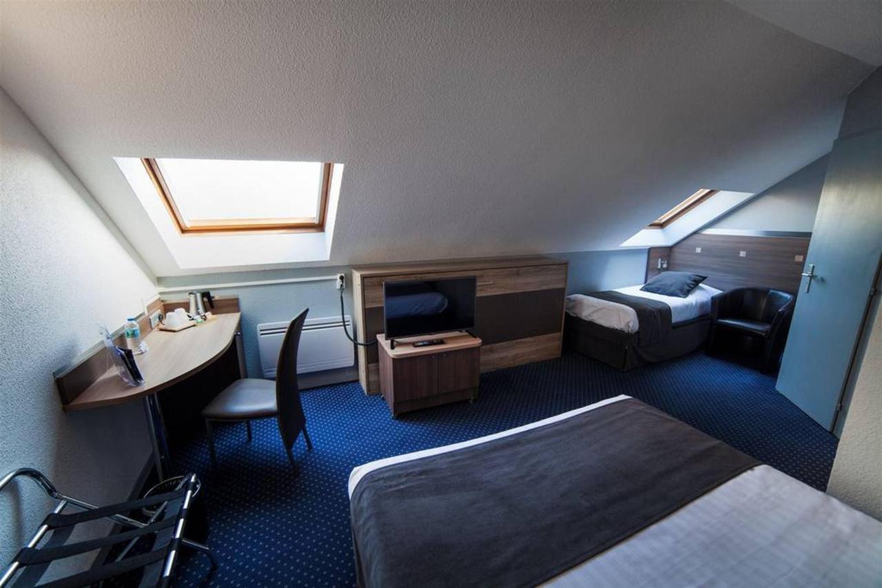 family-room-1-comfort-hotel-garden.jpg.1024x0.jpg