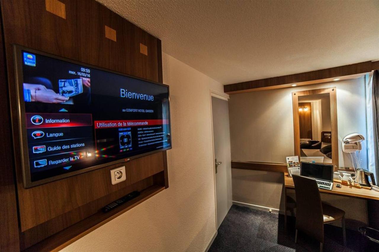 flat screen-TV-1-int-a-ractif-comfort-hotel-garden-1.jpg.1024x0.jpg