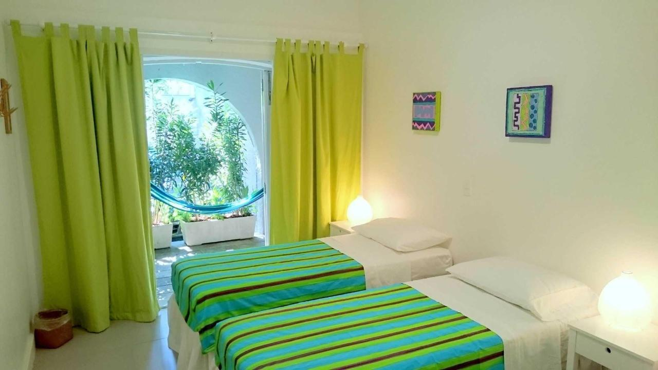 Green Suite with Balcony (triple room)6