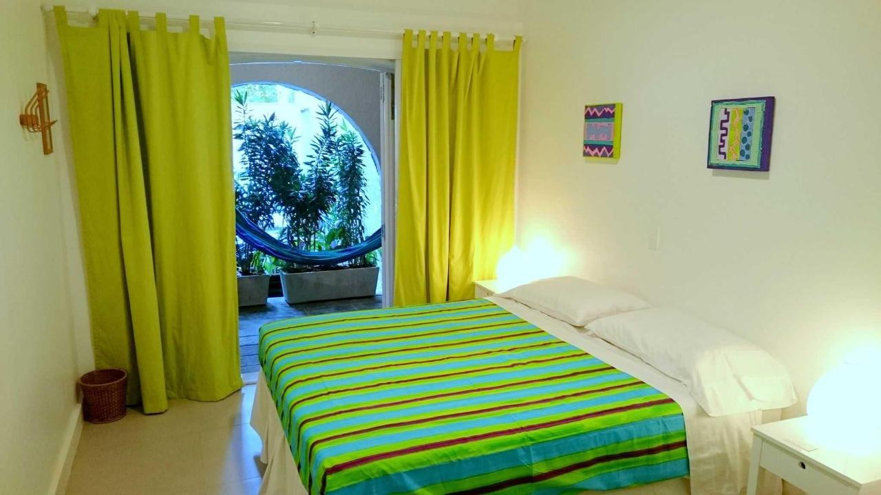 Green Suite with Balcony (triple room)5