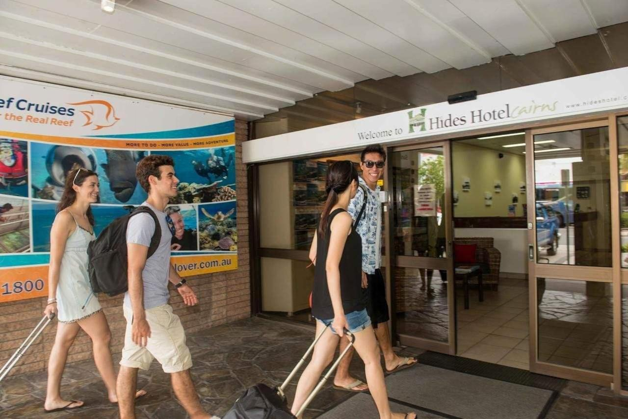 cheap-accommodation-in-cairns-hides-hotel.jpg