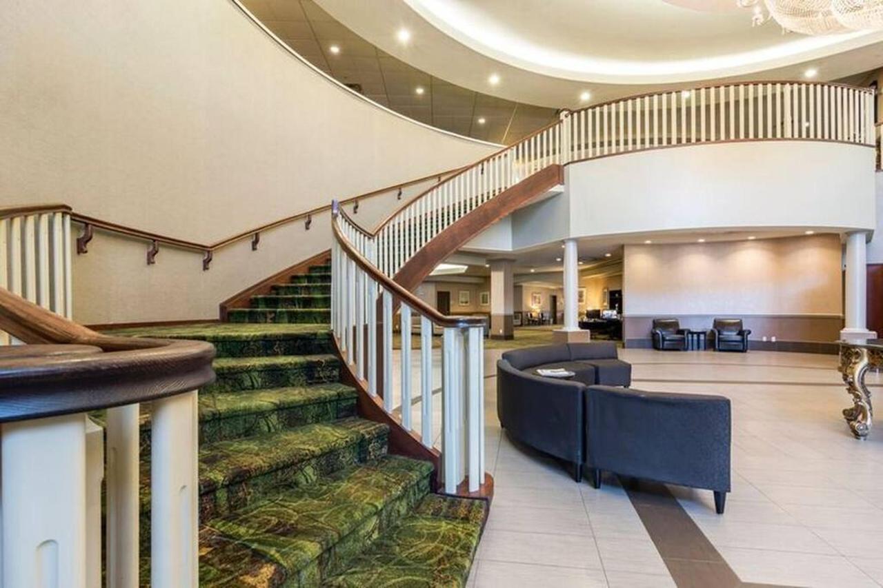 lobby-3.jpg.1024x0.jpg
