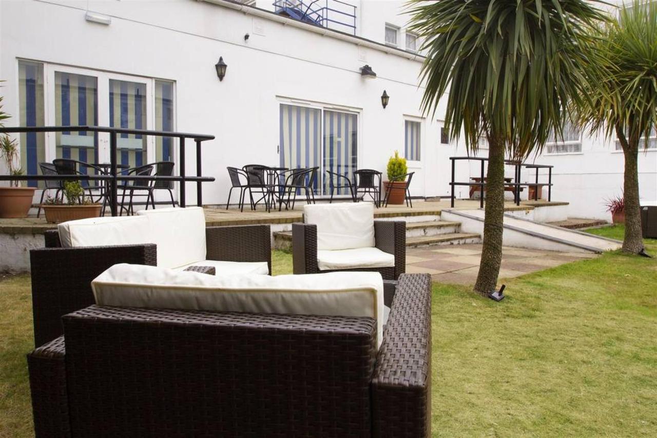 garden-chairs.jpg.1024x0.jpg