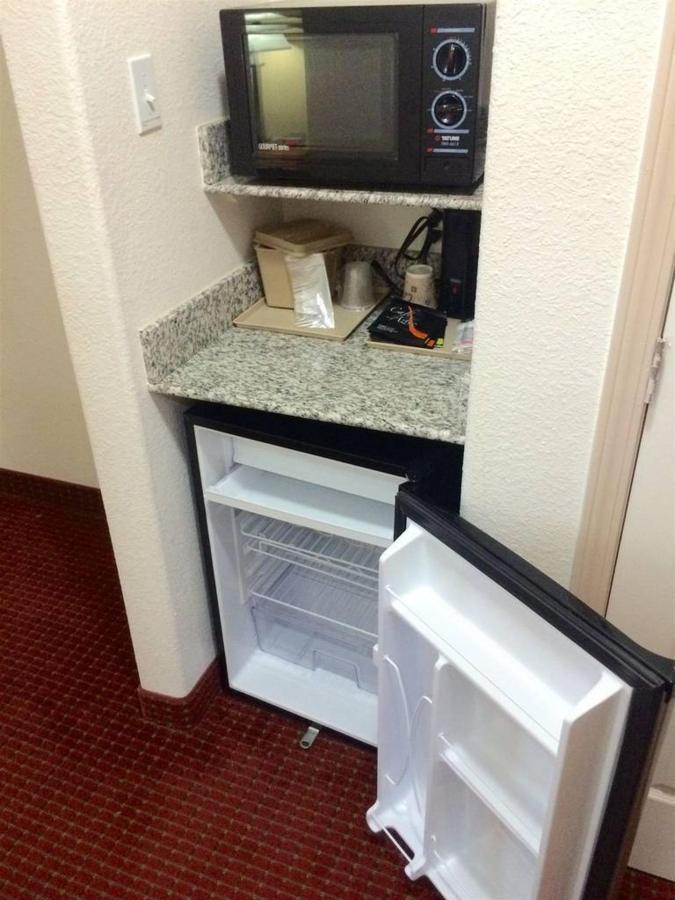 micro-fridge.jpg.1024x0 (1).jpg