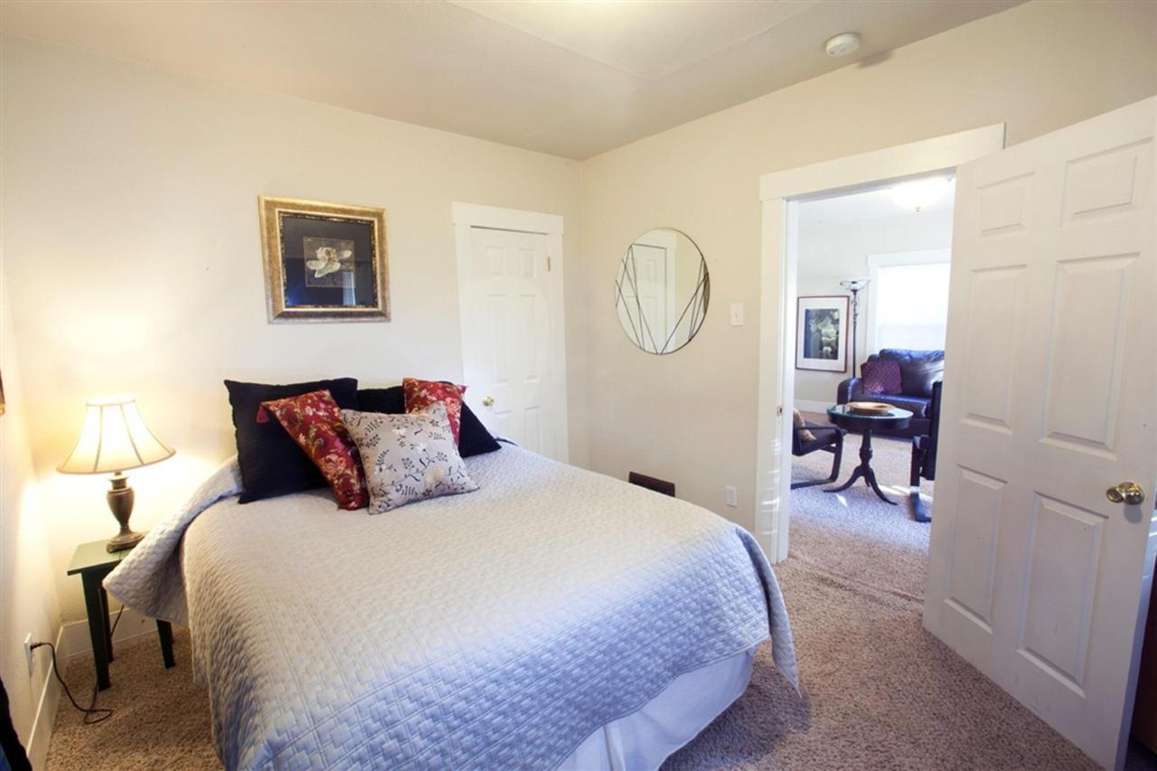 first-bedroom.jpg.1024x0.jpg