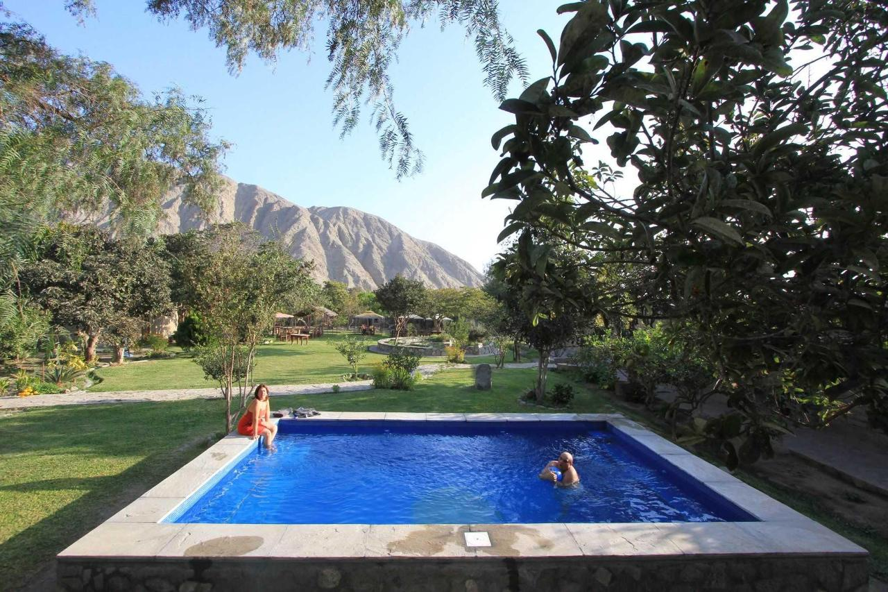 Mountain View da piscina area.JPG