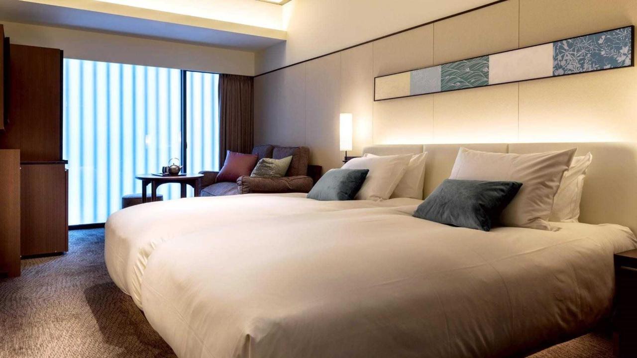 Standard twin room.jpg