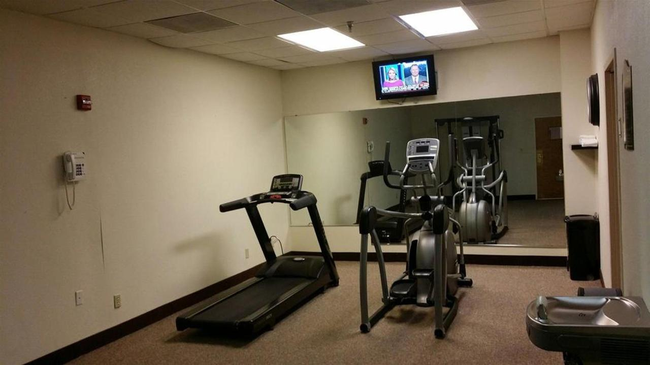 fitness-room-tv-on.jpg.1024x0.jpg