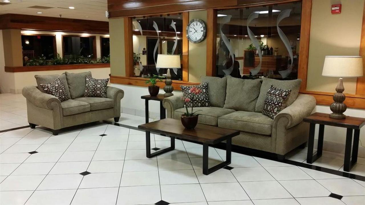 lobby-new.jpg.1024x0.jpg
