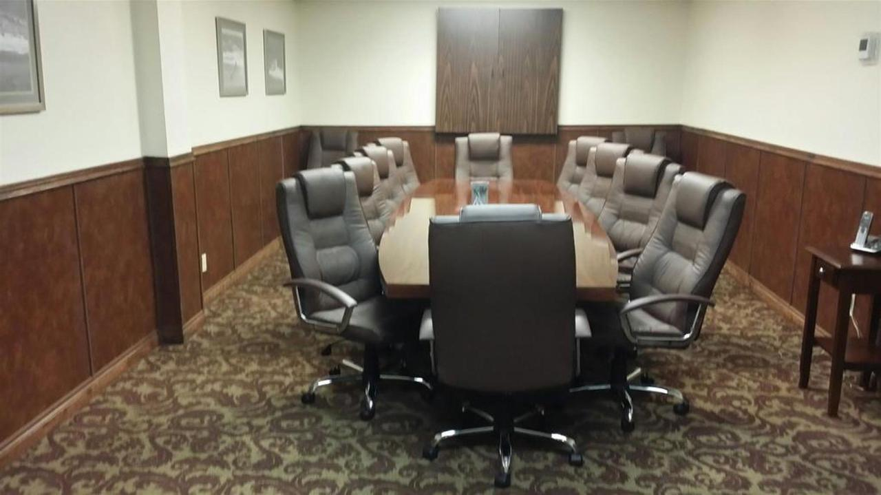 meeting-room.jpg.1024x0.jpg