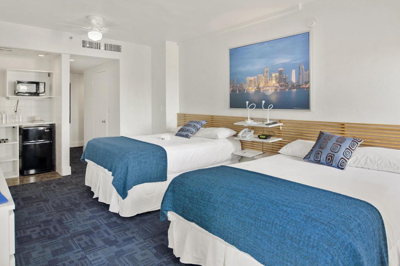 Room 304-5.jpg
